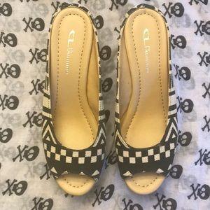 NWOT wedge Sandals